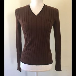 Guess brown v neck ribbed sweater black trim M